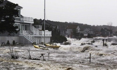 Hurricane Sandy Brings Americans Closer Together Despite Hardships