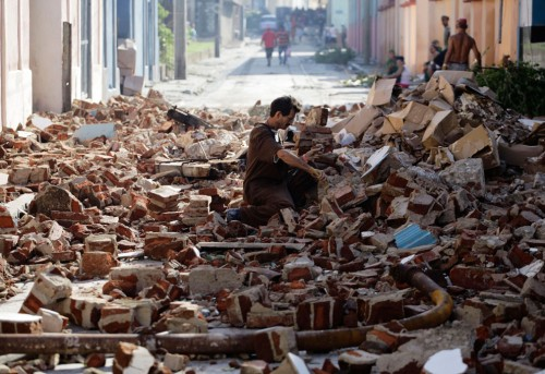Hurricane Sandy Leaves 25% Wireless Customers Helpless