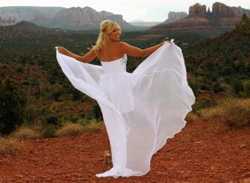 Sedona Weddings - Crystal Vortex Wedding Packages Offered at Outdoor Venues