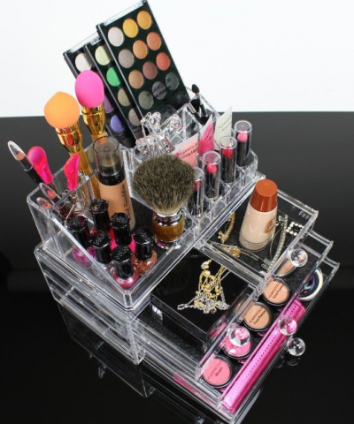 Cosmopolitan Collection Announces Makeup Organizer Is Back in Stock On Amazon