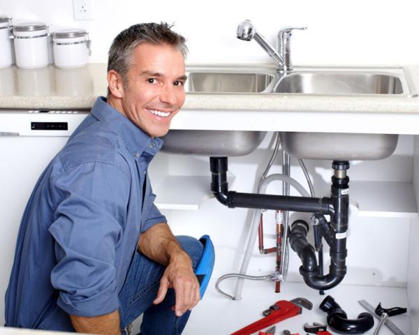 Компания предлагает услуги по ремонту и установке сантехники